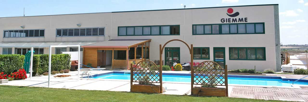 Azienda Realizzazione e costruzione strutture sportive, campi sportivi, piscine e giardini