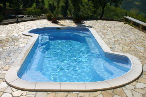 No alla realizzazione piscine in vetroresina, garantiamo la tua piscina Castiglione fino a 30 anni