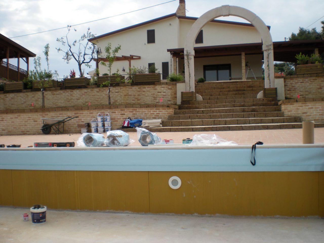 Paesaggi D Acqua Piscine piscina con mosaico, scaletta e trampolino - dal 1998